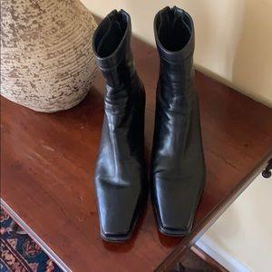 EUC black leather Stuart Weitzman booties